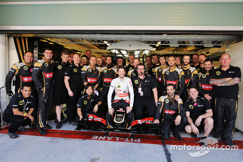 Romain Grosjean, Lotus F1 E23, beim Teamfoto