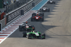 Sandy Stuvik, Status Grand Prix memimpin Michele Beretta, Trident