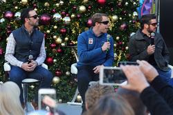 Jimmie Johnson, Hendrick Motorsports Chevrolet; Brad Keselowski, Team Penske Ford; Martin Truex Jr.,