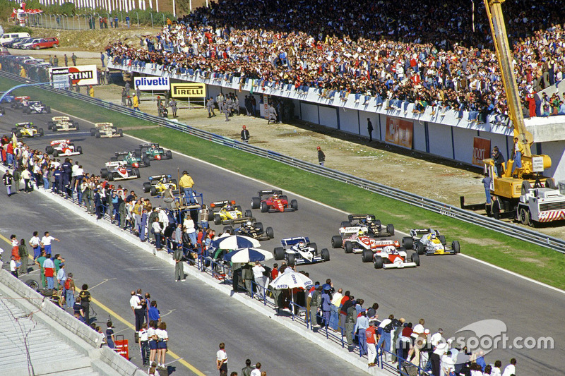 Start: Alain Prost, McLaren and Keke Rosberg, Williams lead