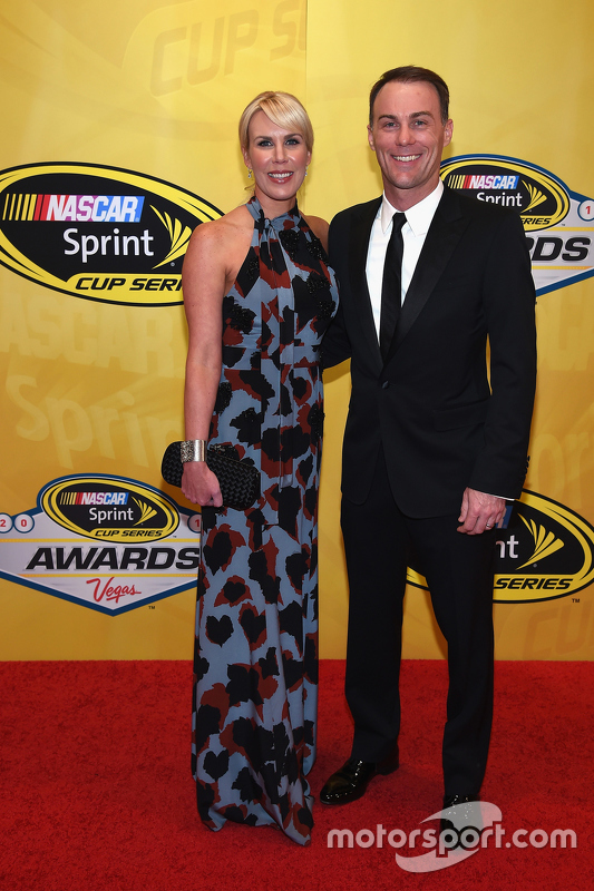 Kevin Harvick, Stewart-Haas Racing Chevrolet with wife Delana