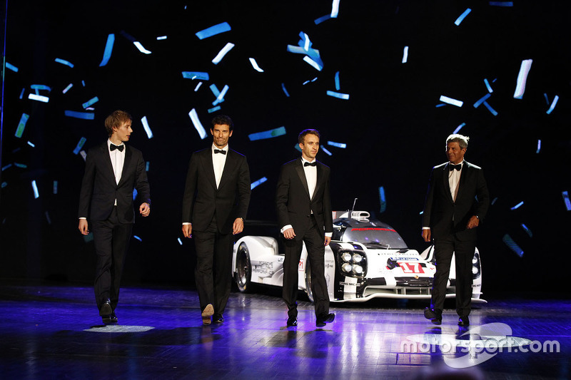 Brendon Hartley, Mark Webber and Timo Bernhard with the title-winning #17 Porsche 919 Hybrid.