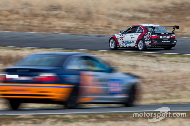 #66 Bullet Motorsport 2, BMW 330Ci: David DePillo, Brett Strom, Harol Petit, Tristan Littlehale, Jos