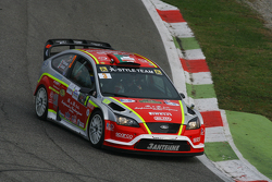 Вітантоніо Ліуцці та Флореан Фулвіо, Ford Focus