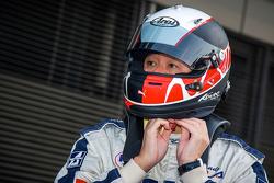 Drivers prepare to lap Fuji Speedway