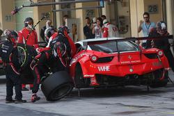 السيارة رقم 99 كيسيل ريسينغ فيراري 458 إيطاليا: مايكل ليونز، ماركو زانوتيني، فاديم غيتلين