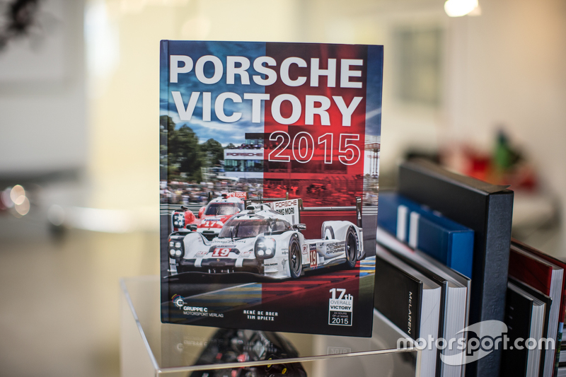 Porsche Victory 2015 book by René de Boer and Tim Upietz