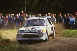 Timo Salonen ve Seppo Harjanne, Peugeot 205 T16
