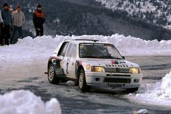 Ari Vatanen ve Terry Harryman, Peugeot 205 T16