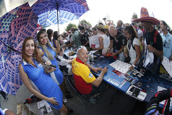 Tom Coronel, ROAL Motorsport dengan grid girl