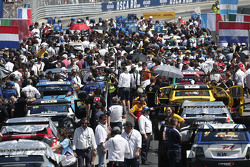Suasana di grid start