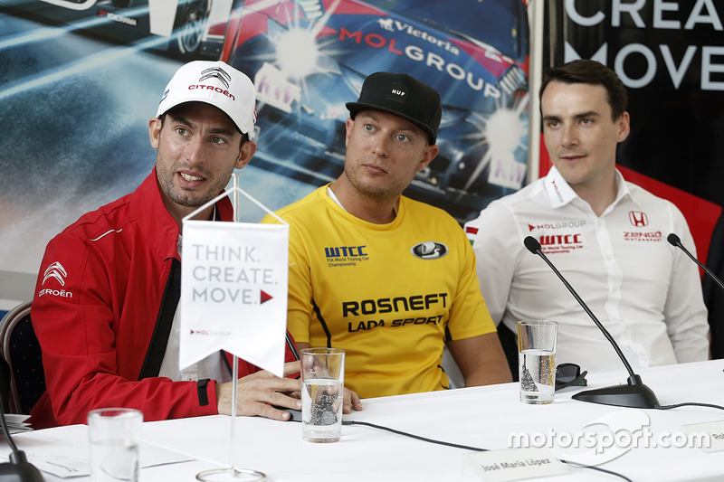 Press conference: Jose Maria Lopez, Citroën C-Elysee WTCC, Citroën World Touring Car team, Rob Huff, Lada Vesta WTCC, Lada Sport Rosneft, Norbert Michelisz, Honda Civic WTCC, Zengo Motorsport