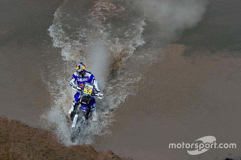 #9: Helder Rodrigues im Wasser