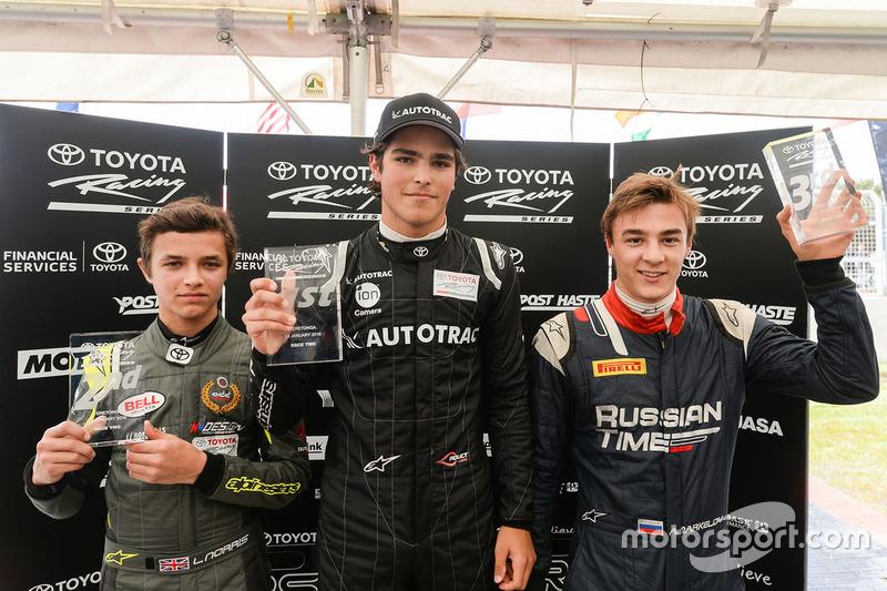 Pedro Piquet, Lando Norris e Artem Markelov no pódio na Nova Zelândia