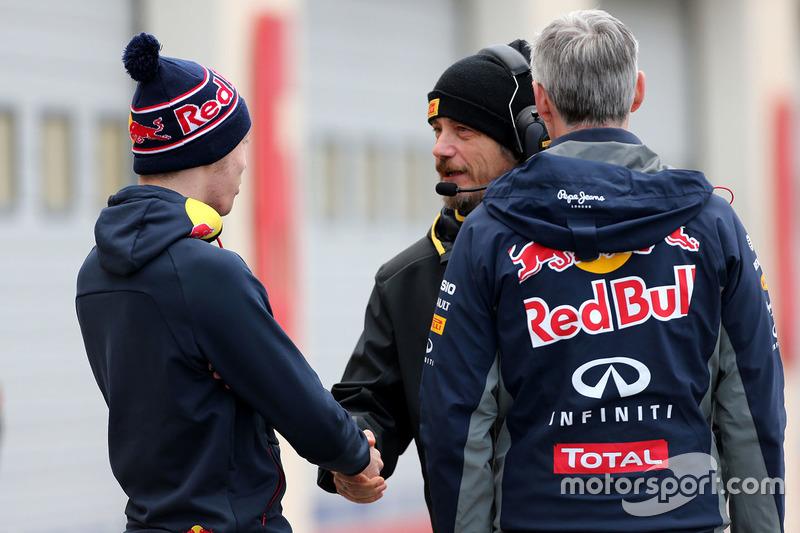 Daniil Kvyat, Red Bull Racing and a Pirelli technician