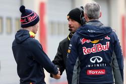 Даниил Квят, Red Bull Racing и техник Pirelli