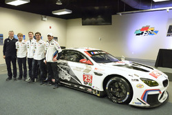Jens Marquardt, BMW Motorsport Direktor, Augusto Farfus, Dirk Werner, Bruno Spengler, Bill Auberlen  mit dem 100 Jahre BMW, BMW M6 GTLM