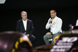 Жером Столл, президент Renault Sport F1 и Сириль Абитбуль, управляющий директор Renault Sport F1