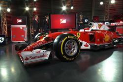 Sebastian Vettel, Ferrari, Kimi Raikkonen, Ferrari and Maurizio Arrivabene, Team Principal Ferrari