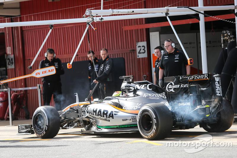 Sergio Pérez, Sahara Force India F1 VJM09 en los pits