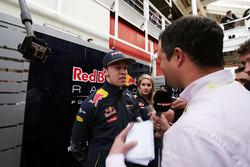 Даниил Квят, Red Bull Racing и Тэд Кравитц, репортер Sky Sports