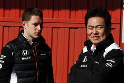 Stoffel Vandoorne, pilote d'essais et de réserve McLaren avec Yasuhisa Arai, Honda