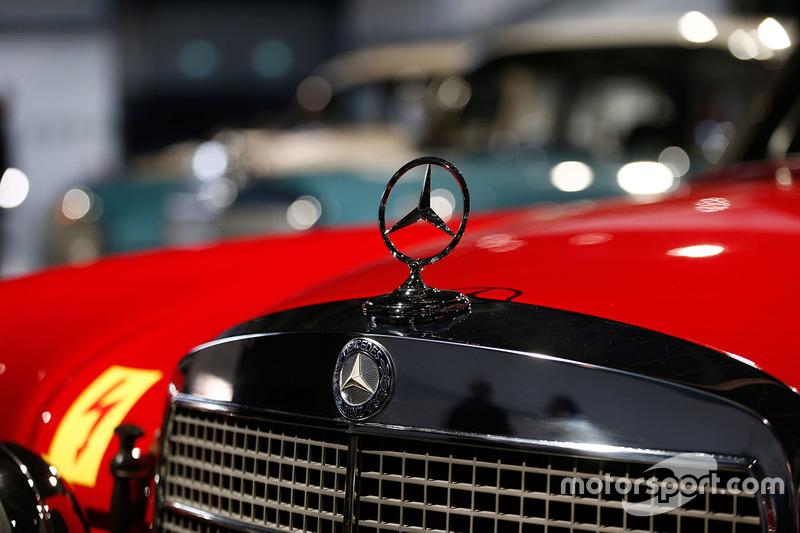 Mercedes vintage detalle