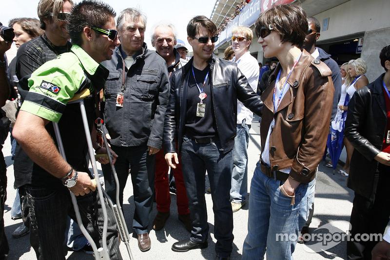 John Hopkins meets Tom Cruise and Katie Holmes