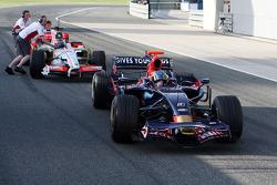 Sébastien Bourdais, Scuderia Toro Rosso, stops in the pitlane