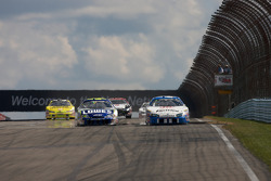 Jimmie Johnson and Dario Franchitti battle for the lead