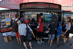 Fans try a racing sim