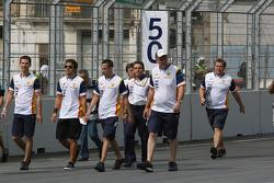 Fernando Alonso, Renault F1 Team, trackwalk