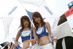 Calsonic girls