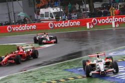 Giancarlo Fisichella, Force India F1 Team, VJM-01 cuts the chicane