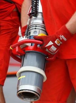 Scuderia Ferrari, refuelling