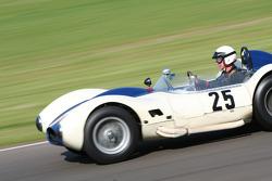 Sussex Trophy race: 1958 Sadler chevrolet mk3
