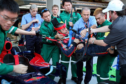 A Scuderia Toro Rosso rescue practice of the FIA-medical team