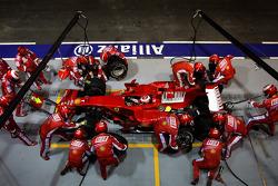 Kimi Raikkonen, Scuderia Ferrari, F2008, Pitstop