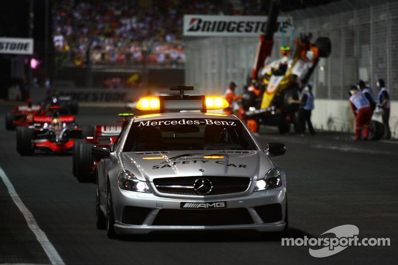 Der Piquet-Crash löst eine Saftey-Car-Phase aus
