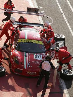 Pit stop for #50 AF Corse Ferrari F430: Toni Vilander, Gianmaria Bruni