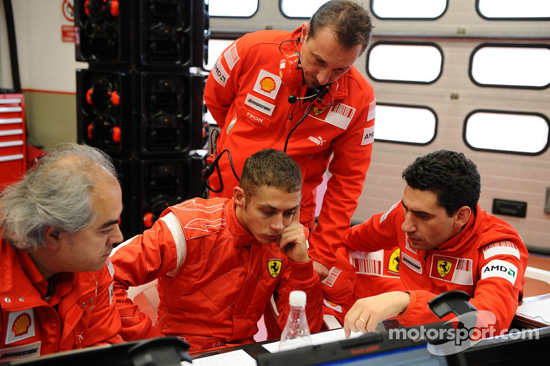 Valentino Rossi saat tes Ferrari F2008 di Mugello pada 2008