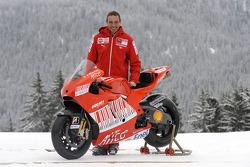 Livio Suppo with the new Ducati Desmosedici GP9