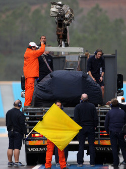 The car of Nico Hulkenberg, Test Driver, WilliamsF1 Team is returned to the pits
