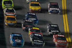 Kasey Kahne, Richard Petty Motorsports Dodge, Carl Edwards, Roush Fenway Racing Ford, A.J. Allmendinger, Richard Petty Motorsports Dodge go three-wide