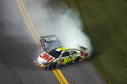 Greg Biffle, Roush Fenway Racing Ford and David Stremme, Penske Racing Dodge wreck