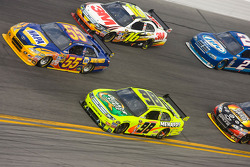 Paul Menard, Yates Racing Ford, Michael Waltrip, Michael Waltrip Racing Toyota, Greg Biffle, Roush Fenway Racing Ford