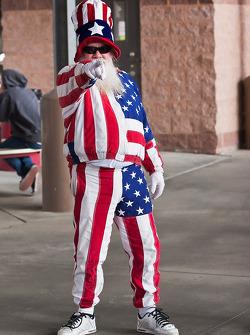 A fan shows his patriotism