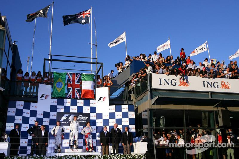 Podium: 1. Jenson Button, Brawn GP; 2. Rubens Barrichello, Brawn GP; 3. Trulli, Toyota F1 Team