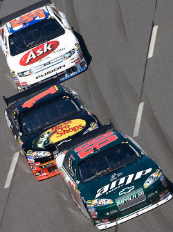 Dale Earnhardt Jr., Hendrick Motorsports Chevrolet, Martin Truex Jr., Earnhardt Ganassi Racing Chevrolet, Bobby Labonte, Hall of Fame Racing Ford