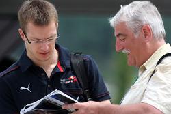 Sébastien Bourdais, Scuderia Toro Rosso, signing autographs